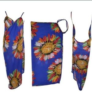 Other - Criss cross floral beach coverup